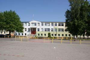 Szkoła od frontu